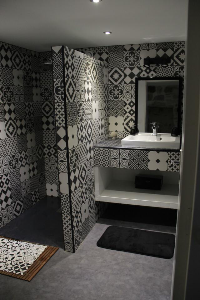 Salle de douche chambre d'hôte Eau